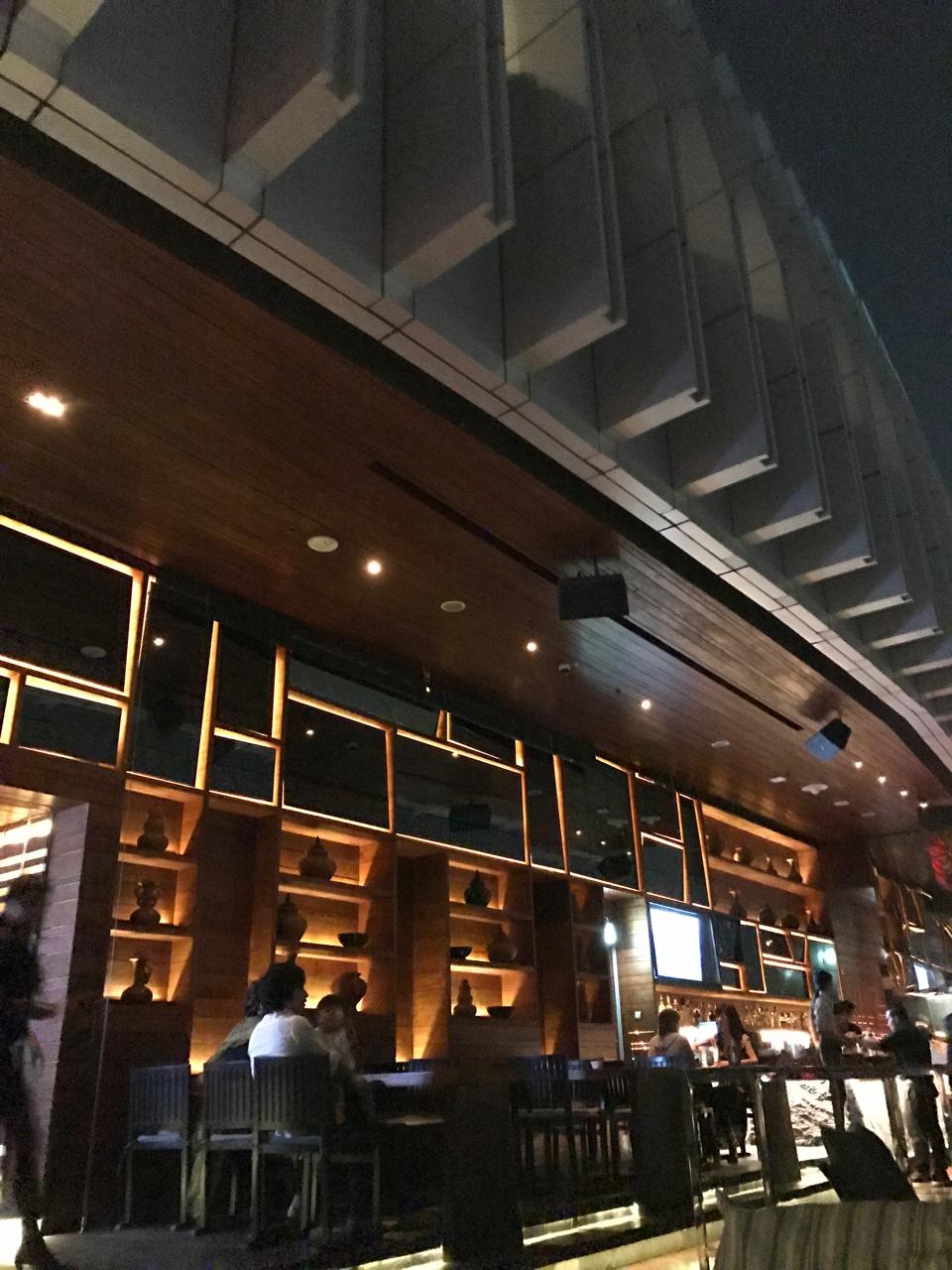 Bangkok Marriott Sukhumvit Hotel rooftop bar